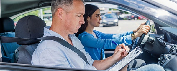 Requisitos de registro de licencia