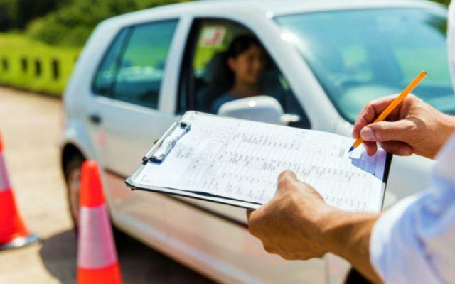 El coronavirus hace que los desvíos reciban un permiso de conducir en Florida - LaPatilla.com