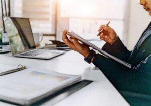 Cómo obtener una cuenta de ahorros con BCP NR