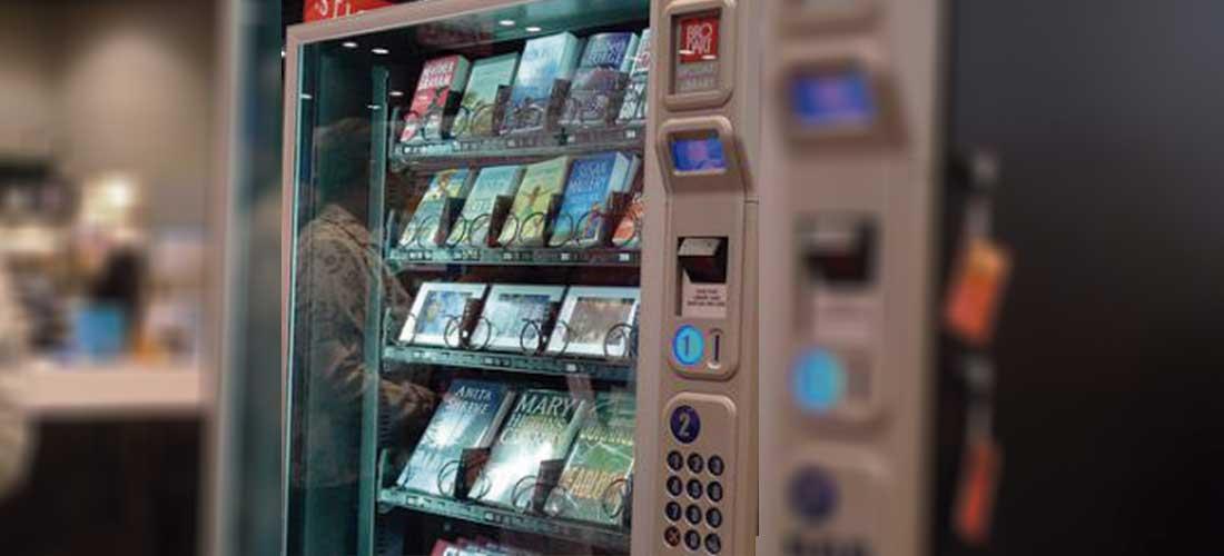 Las máquinas expendedoras en la capital intercambiaron bocadillos por libros